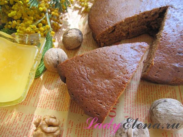 Как сделать кекс на меду с орехами