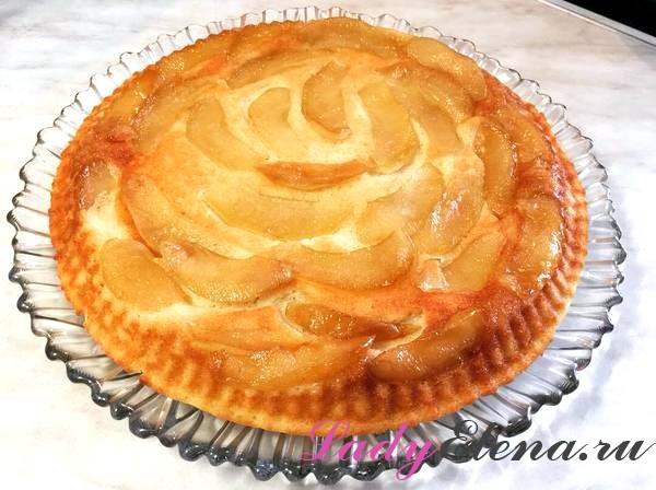 Пирог из творога с яблоками