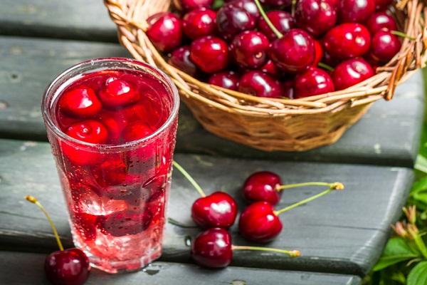 Как консервировать компот из черешни и вишни