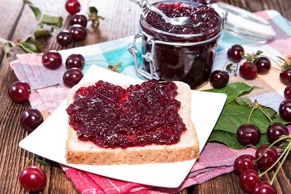 Как варить вишневое варенье без косточки