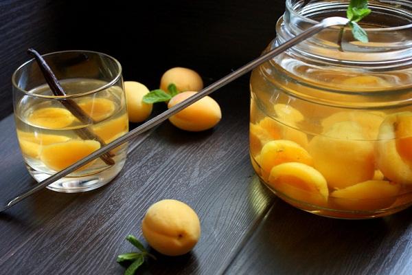 Компот из абрикосов: как закрыть на зиму