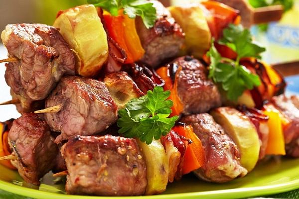 Шашлык из говядины в маринаде из кефира
