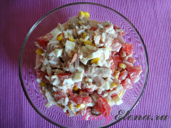 Фото рецепт салата из тунца с кукурузой
