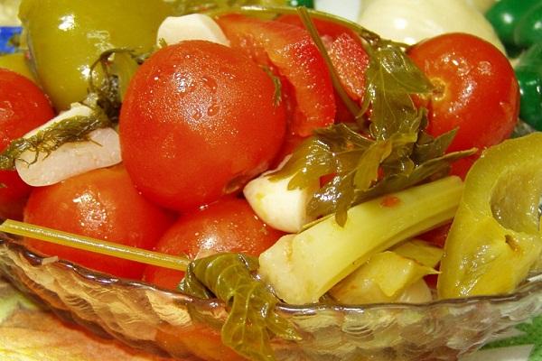 Метод заготовки помидор с болгарским перцем