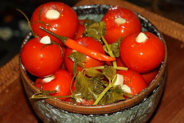 Как мариновать помидоры на зиму с горчицей