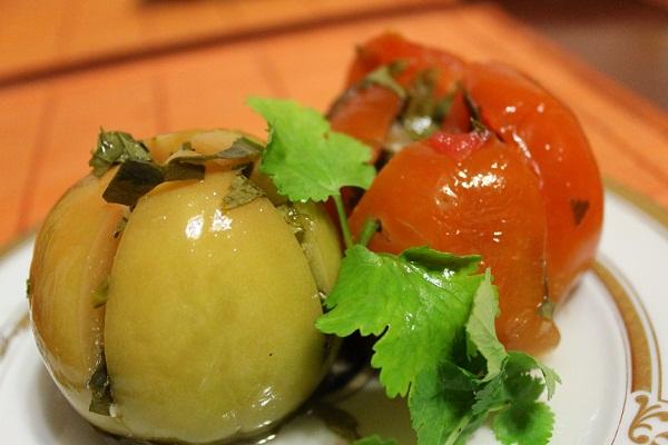 Как мариновать фаршированные помидоры