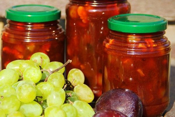Варенье с виноградом и сливами