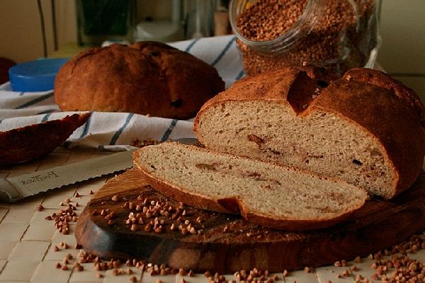 Хлеб из гречневой муки без дрожжей