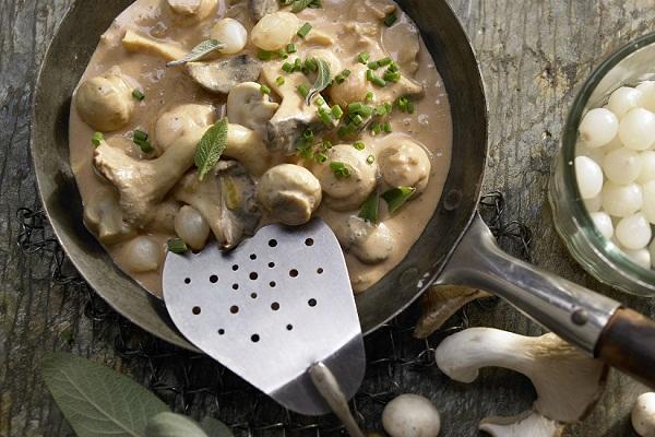 Как правильно тушить грибы в сметане