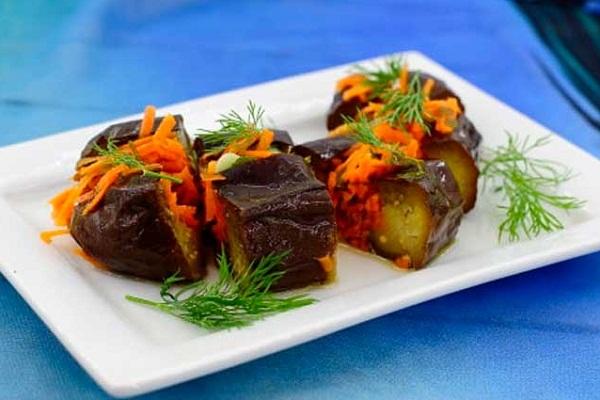 Закуска из баклажанов и моркови быстрого приготовления