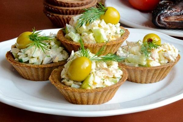 Вкусная закуска из сыра и яиц