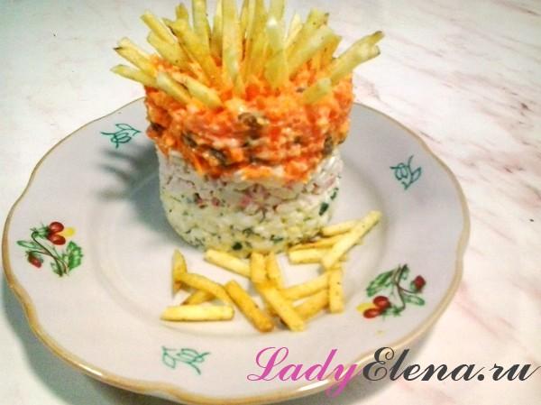 Крабовый салат с картошкой фри фото рецепт