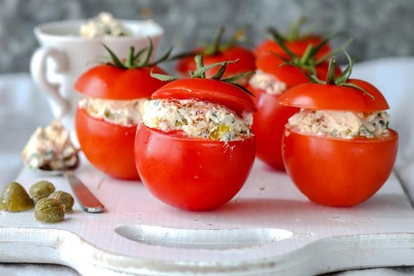 Закуска помидоры с крабовыми палочками