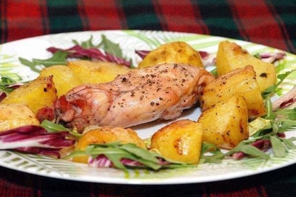 Кролик с картофелем в фольге
