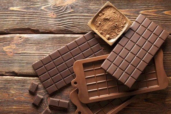 Как приготовить молочный шоколад дома