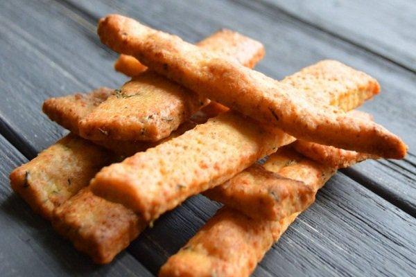 Печенье Сырные палочки