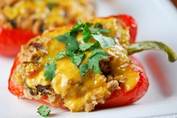Перец фаршированный в духовке с сыром