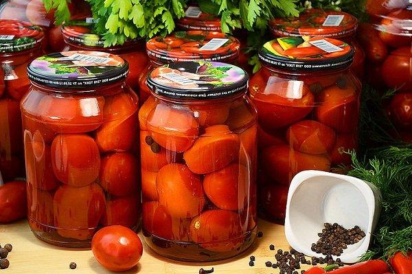 Сладкие помидоры в литровых банках