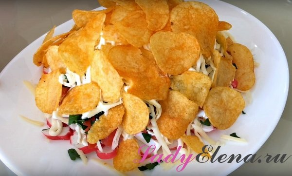 Салат с чипсами фото-рецепт