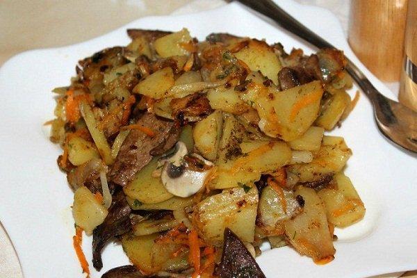 Картошка жаренная с печенью