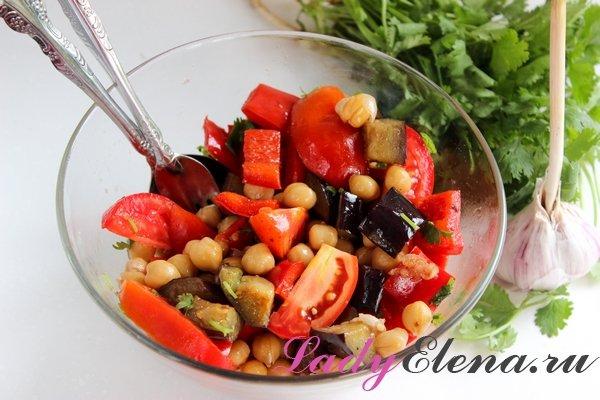 Теплый салат с нутом фото-рецепт