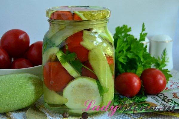Маринованные помидоры и кабачки