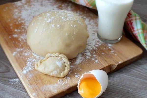 Тесто для вареников на молоке