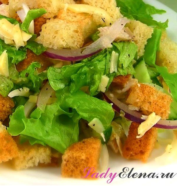 Салат с курицей и сухариками фото-рецепт