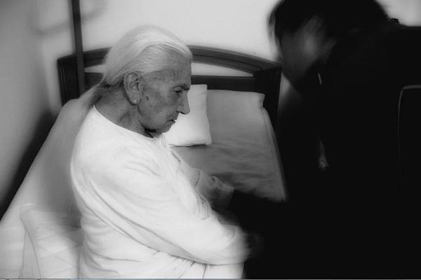 К чему снится, что умерла бабушка