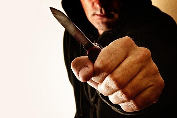 Во сне нападают с ножом что значит