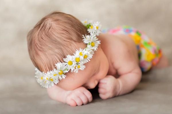 К чему родить девочку во сне