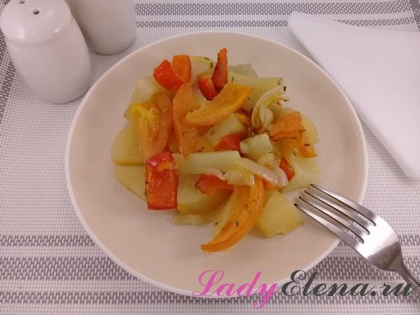 Картошка с овощами запеченная в фольге