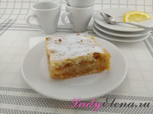 Пирог с манкой и яблоками без замеса теста