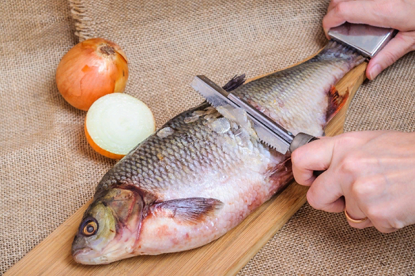 К чему во сне чистить рыбу