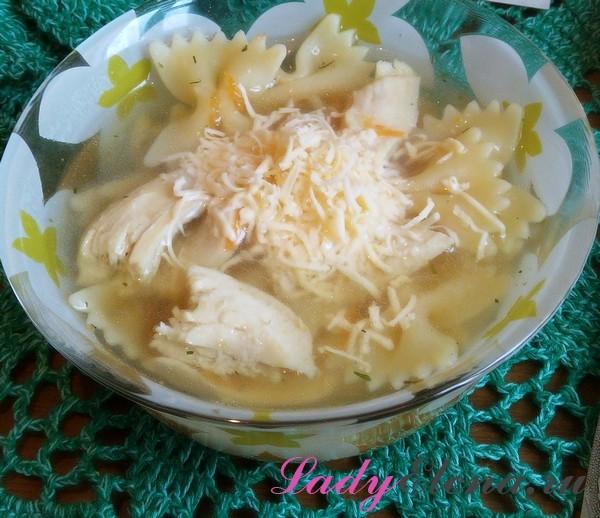 Суп с макаронами бантиками