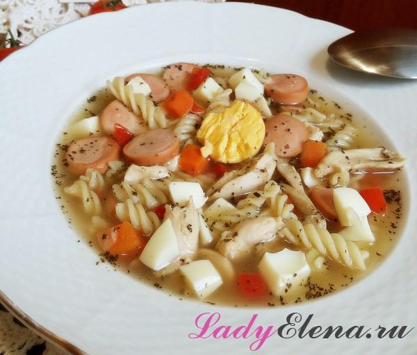 Куриный суп с сосисками