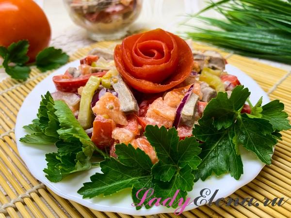 Салат из языка с солеными огурцами