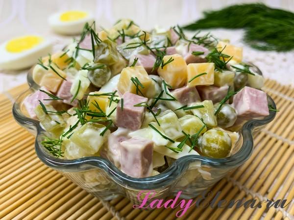 Салат с колбасой и сыром фото-рецепт