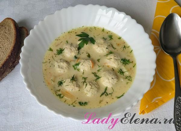 Суп с плавленым сыром и фрикадельками