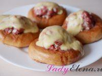 Баранки (бублики) с фаршем: 2 рецепта с фото в духовке и на сковороде