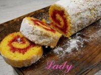 Бисквитный рулет с вареньем: быстрый десерт по фото-рецепту